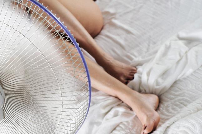10 astuces pour bien dormir pendant les nuits d 39 t welovebuzz. Black Bedroom Furniture Sets. Home Design Ideas