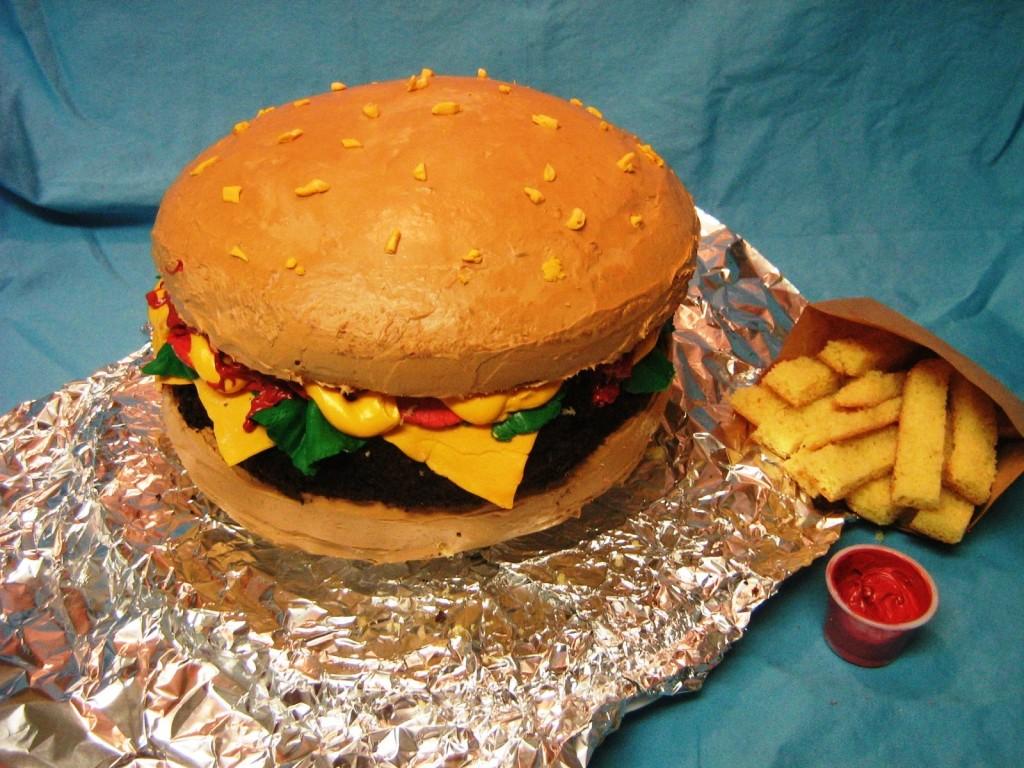 tLytSX4_Hamburgercakenfries2