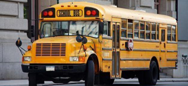 3311288-jaune-autobus-scolaire--manhattan-new-york-city-usa
