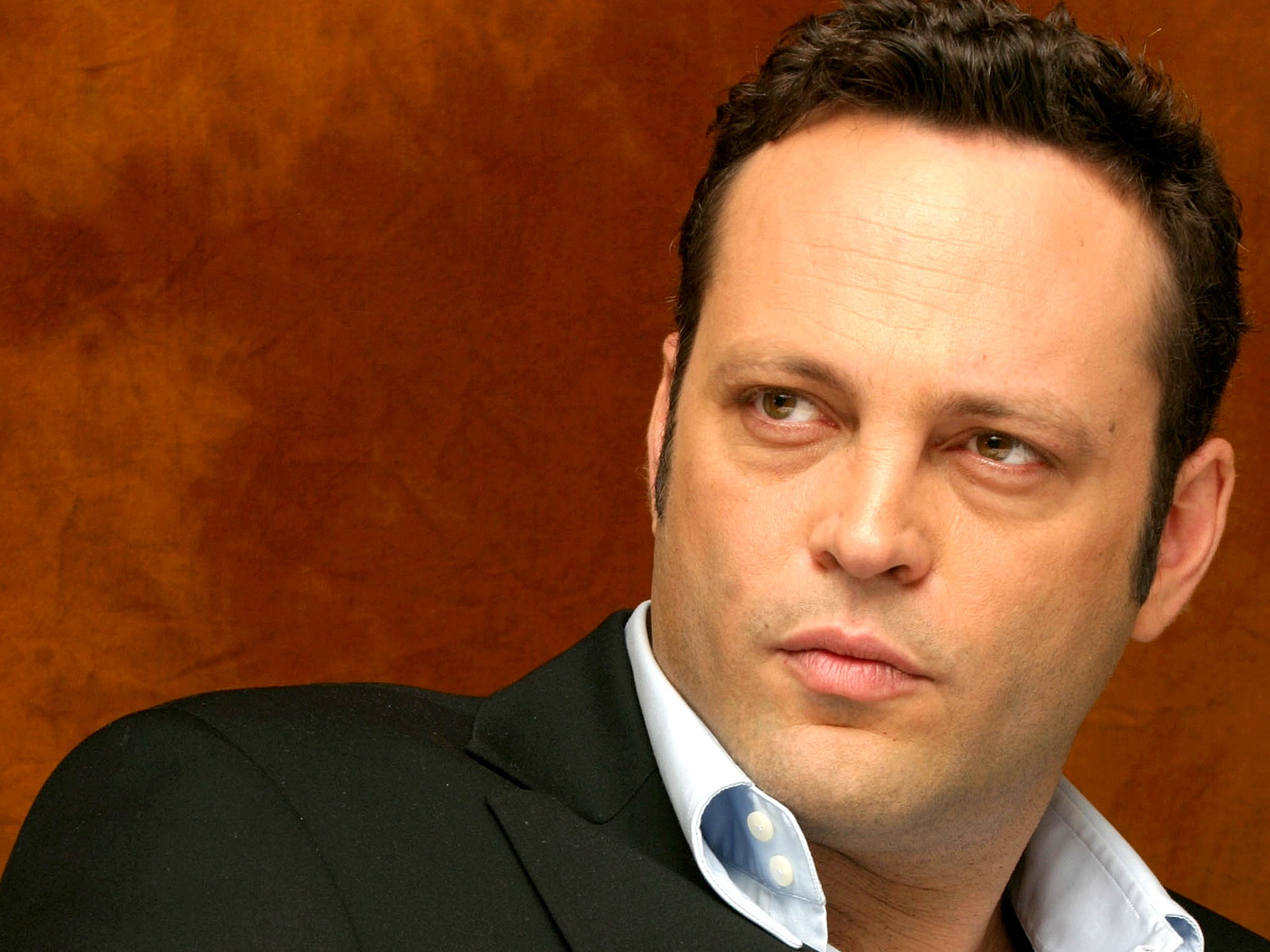 SANTA MONICA, CA - MAY 19: Actor Vince Vaughn talks at the Shutters Hotel on May 19, 2006 in Santa Monica, California. (Photo by Piyal Hosain/Fotos International/Getty Images) *** Local Caption *** Vince Vaughn