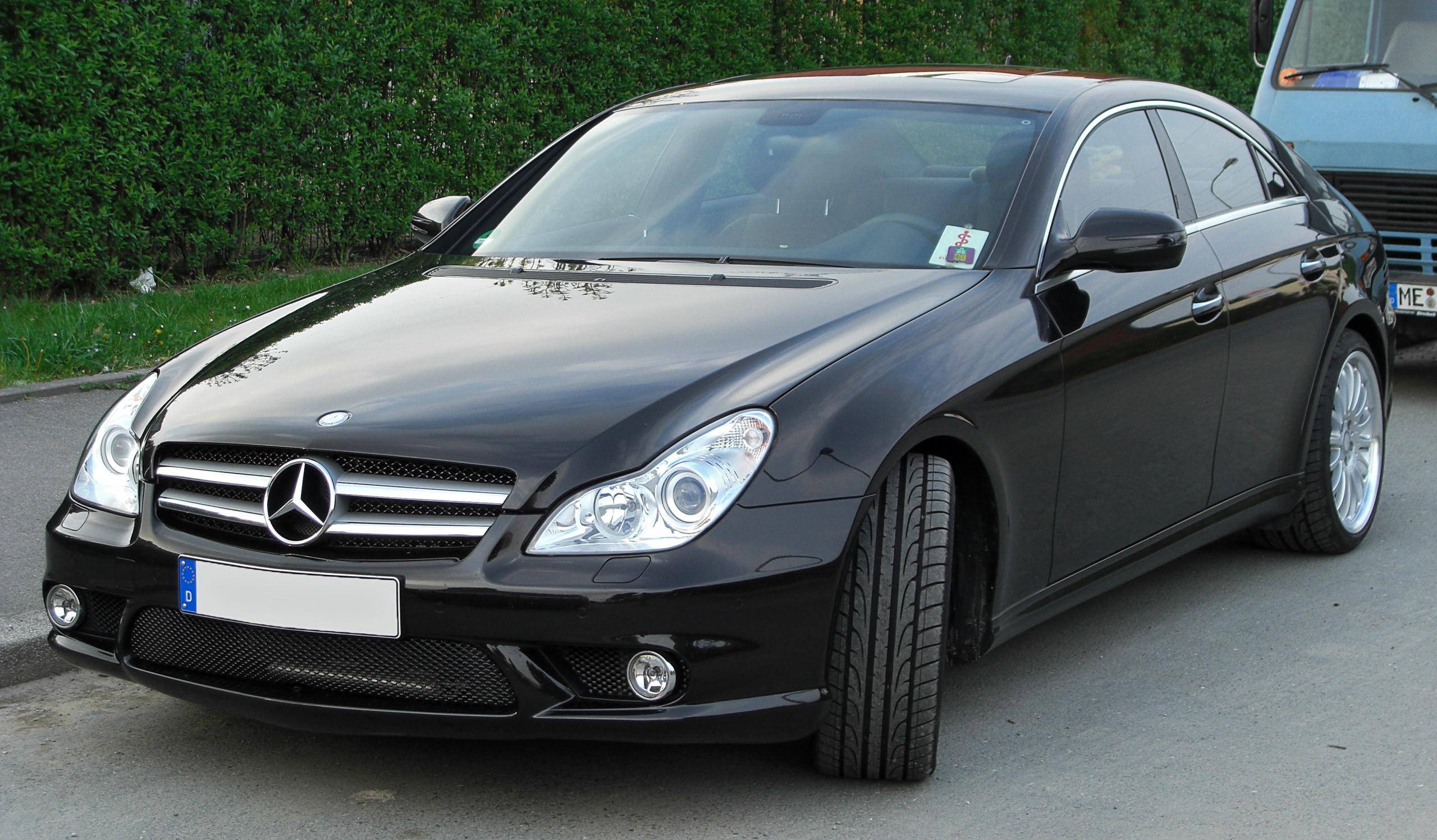 Mercedes_CLS_AMG-Sportpaket_(C219)_Facelift_front_20100509