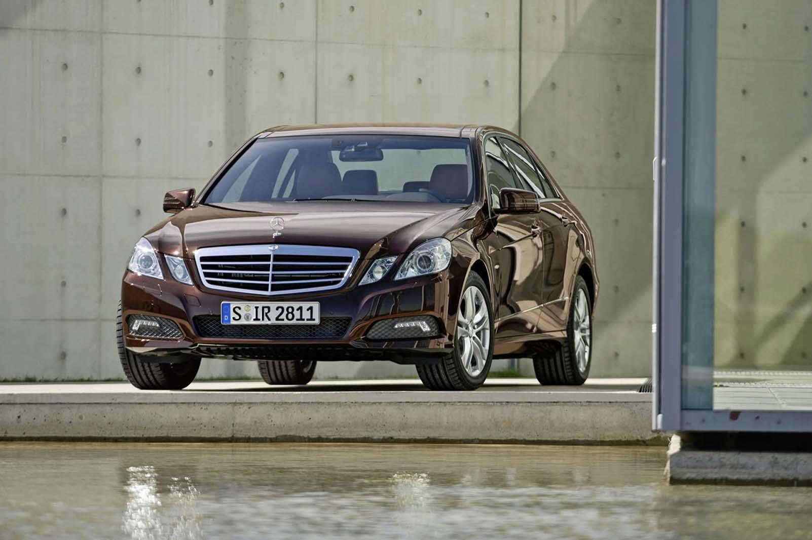 Mercedes_Class_E_2009_001