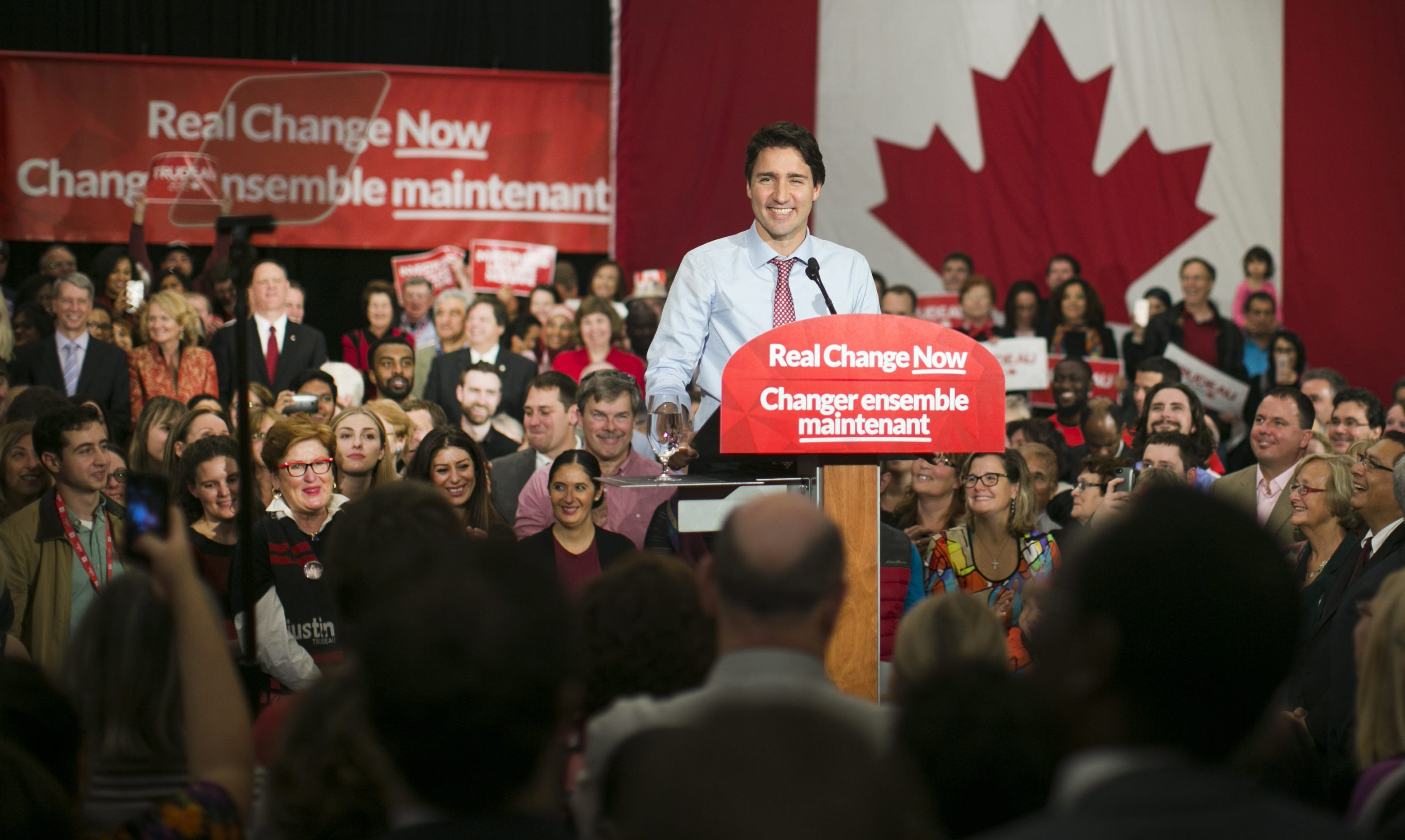 epa04985869 Canadian Prime Minister designate Justin Trudeau speaks during the rally to celebrate his majority victory in the Canada's 42nd election, in Ottawa, Canada, 20 October 2015. Justin Trudeau's Liberal Party beat the incumbent Conservative Stephen Harper in the the 42nd Canadian general election held on 19 October, with 184 confirmed seats. EPA/Chris Roussakis