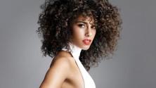 14 trucs et astuces pour mieux gérer ses cheveux bouclés