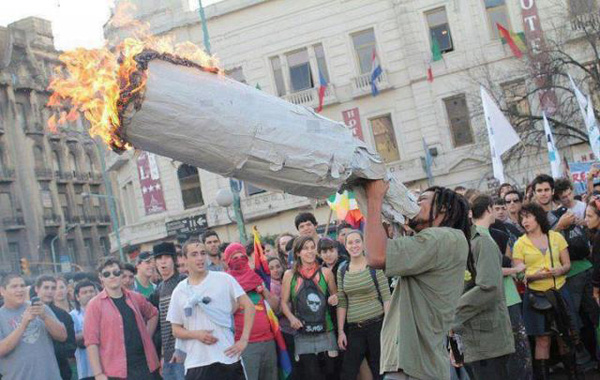 a.baa-Jamaican-Smokes-Largest-Join
