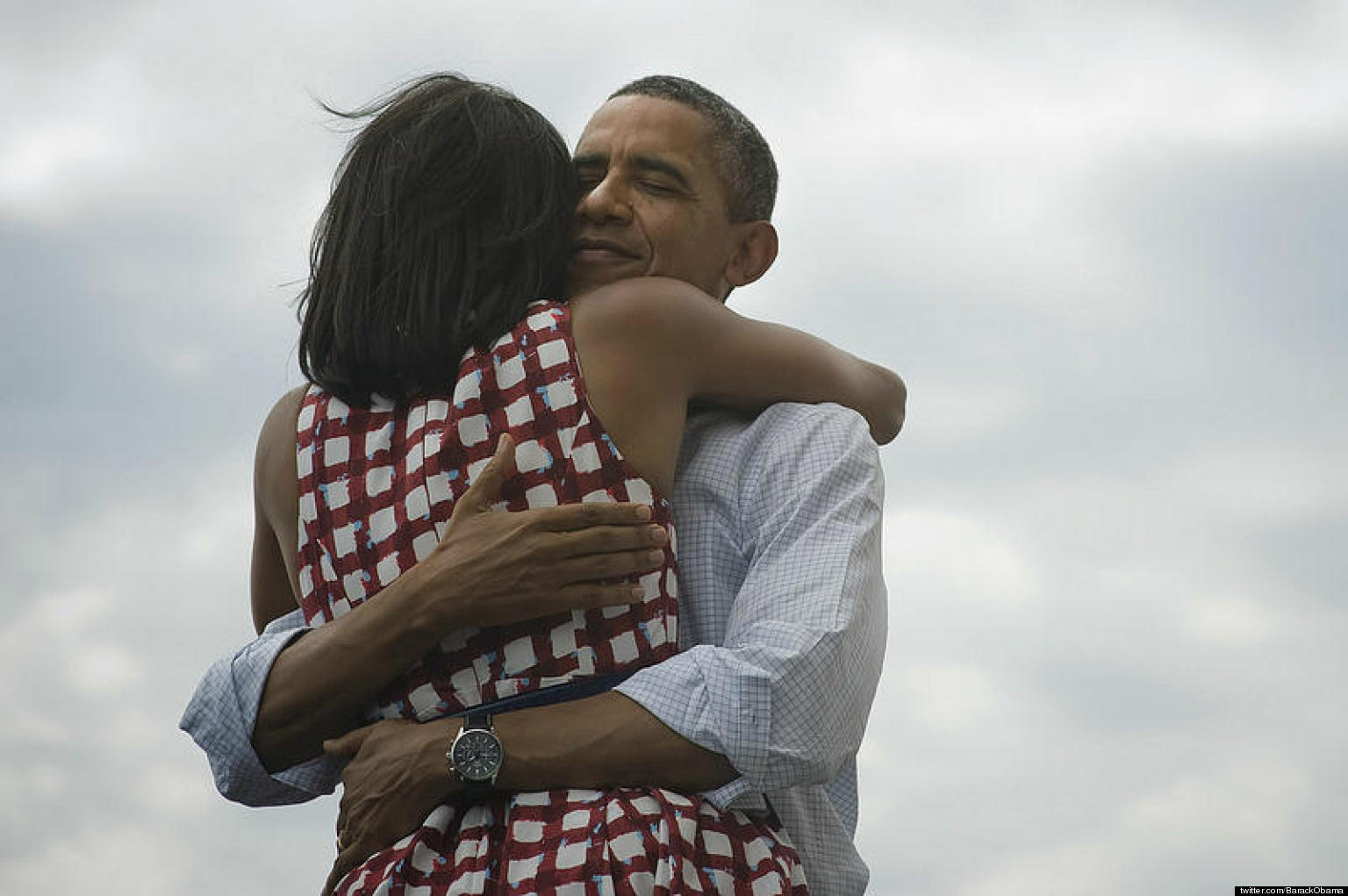 o-BARACK-MICHELLE-OBAMA-HUG-facebook
