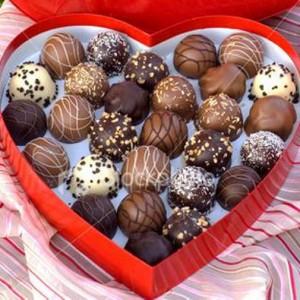 Une boîte de chocolat en forme de coeur