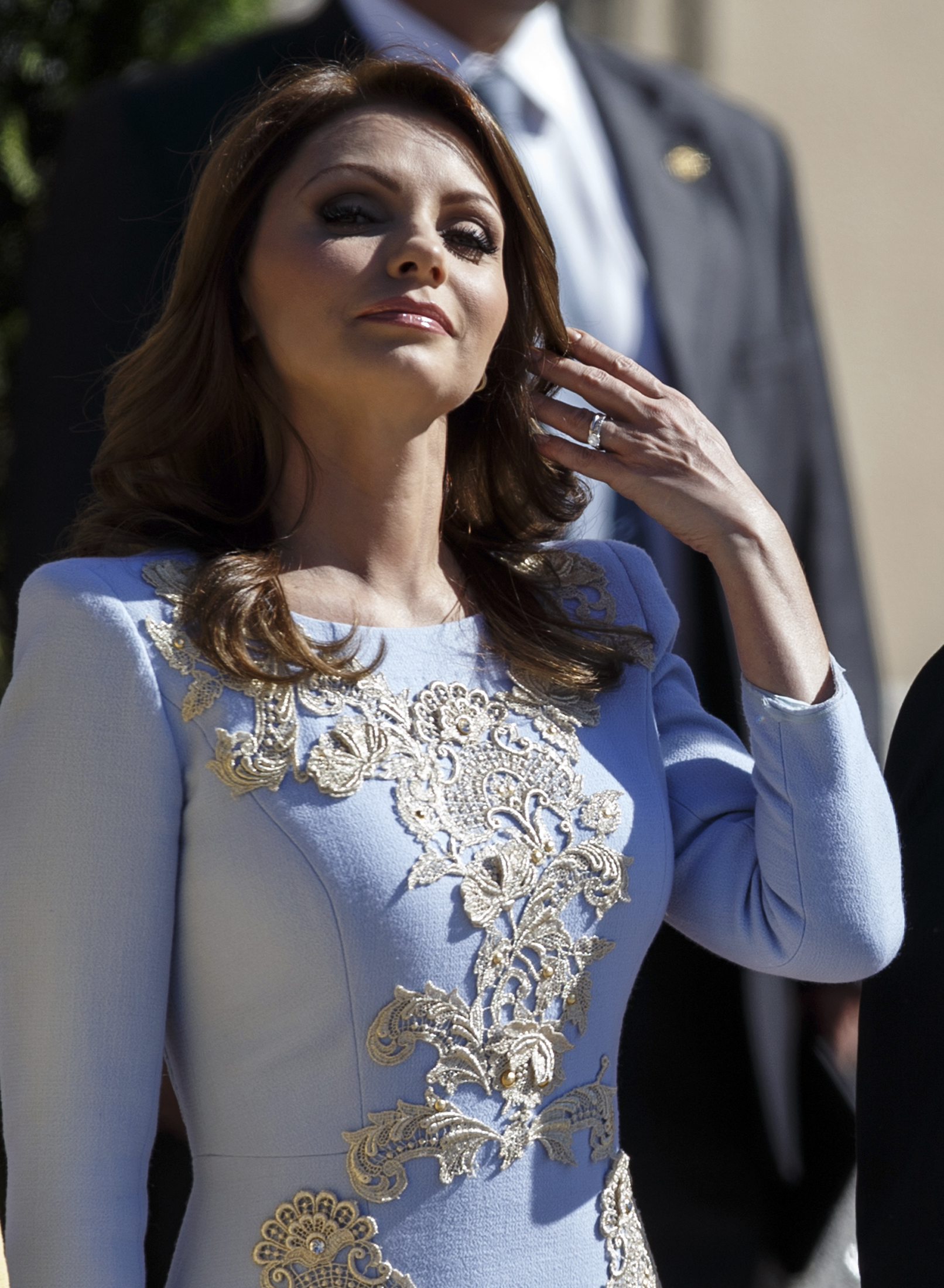 Mexico's First Lady Angelica Rivera attends an official welcome ceremony at Madrid's El Pardo palace June 9, 2014. Mexico's President Enrique Pena Nieto is on an official two-day visit to Spain. REUTERS/Andrea Comas (SPAIN - Tags: POLITICS) - RTR3SVII