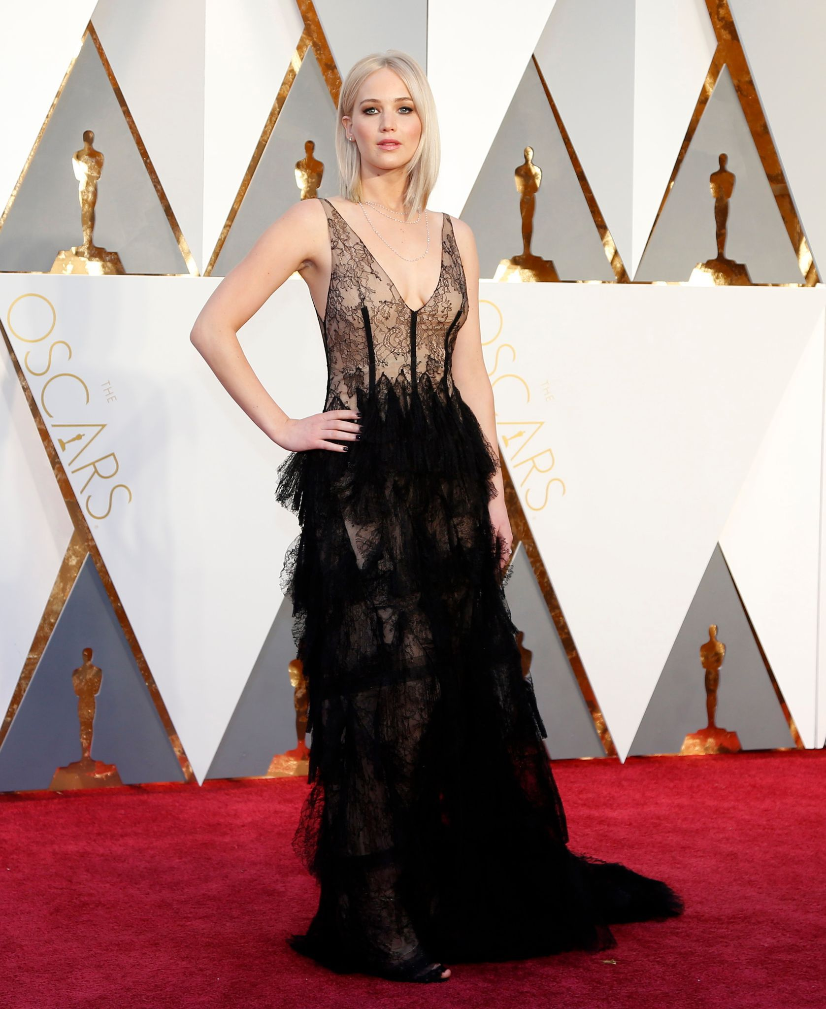 oscars-2016-jennifer-lawrence-en-robe-dior_5551121