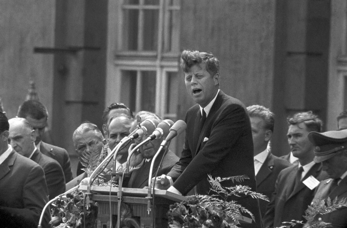 """ Ich bin ein Berliner"" - US president John F. Kennedy on 26 June 1963 in Berlin speaking in front of the city hall Schoeneberg."