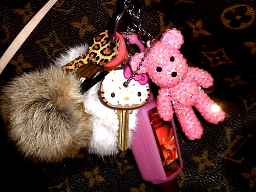 cute-girly-hello-kitty-keys-Favim.com-832647