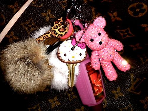 cute-girly-hello-kitty-keys-Favim.com-832647