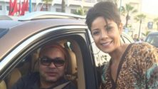 Leïla Hadioui prend également un selfie avec le roi