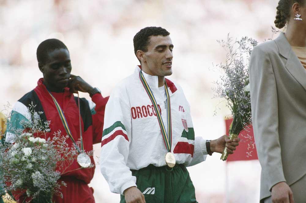 1992---khalid-skah-remporte-le-10.000-mtres-des-jeux-olympiques-de-barcelone-photo-cio