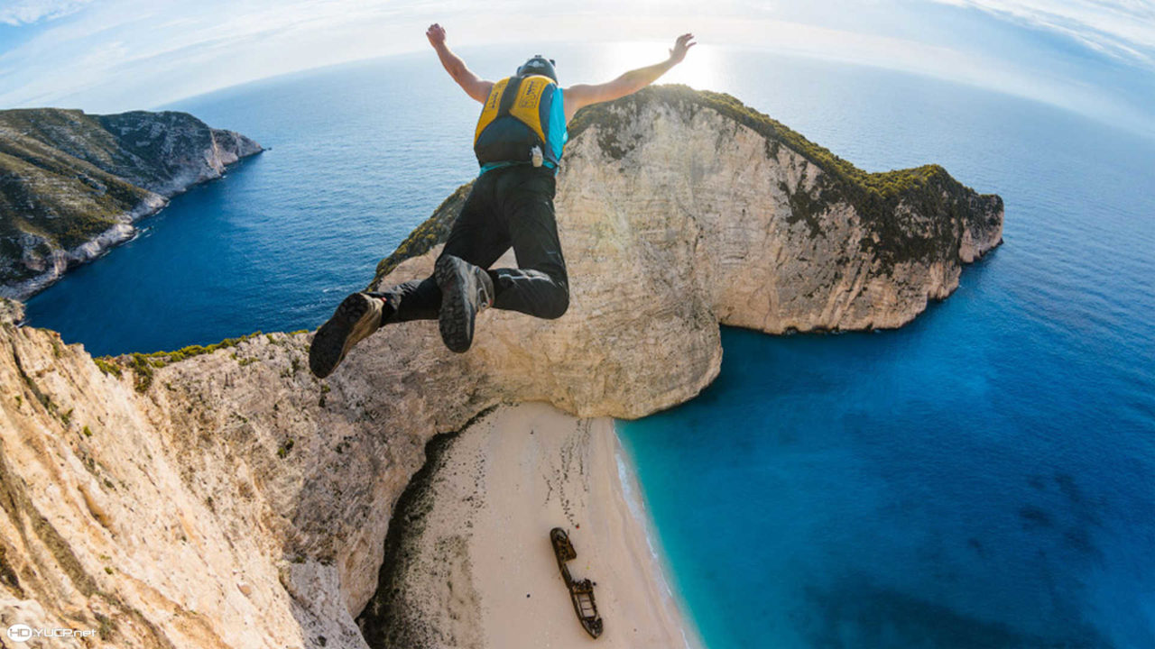 6840365-base-jumping-hd-wallpaper