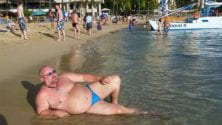 Des femmes exigent l'interdiction des hommes en speedo sur les plages