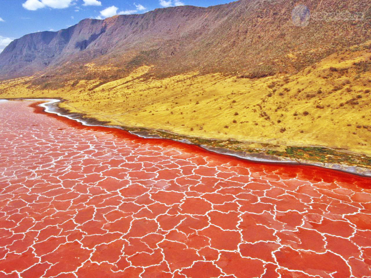65825-lake-natron-edit