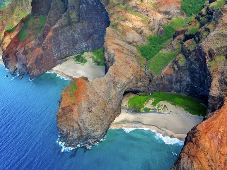 honopu-beach-cr-getty