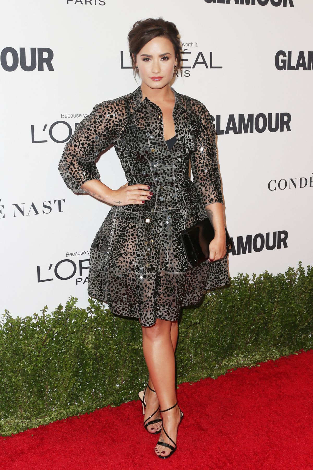 demi-lovato-at-glamour-women-of-the-year-2016-in-los-angeles-_1