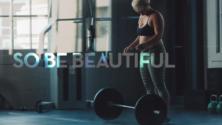 Cette vidéo vous aidera à vous accepter et à vous sentir bien dans votre corps