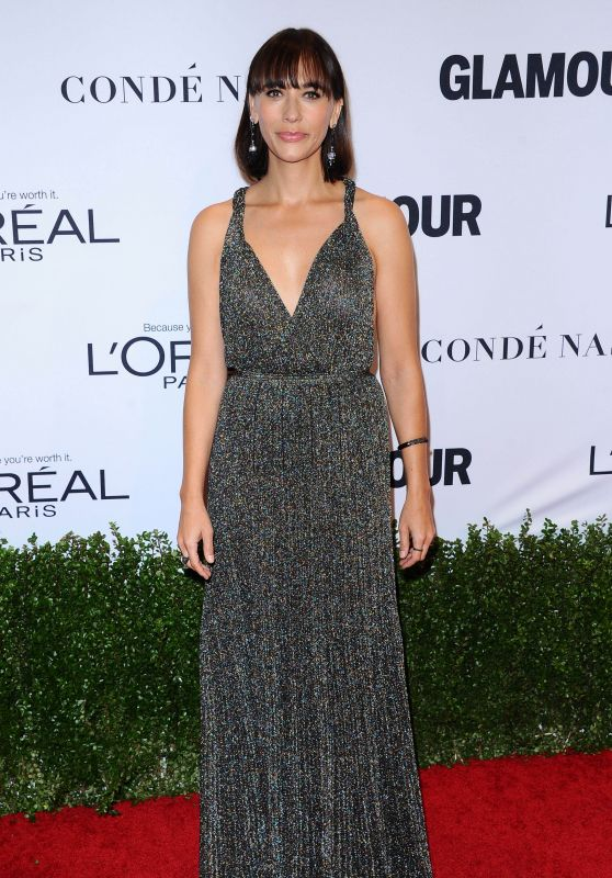rashida-jones-glamour-women-of-the-year-awards-in-los-angeles-11-14-2016-1_thumbnail