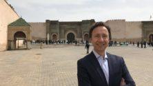 Secrets d'Histoire : Stéphane Bern en tournage à Meknès