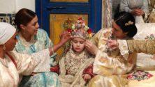 7 types de personnes qu'on trouve dans un groupe de famille WhatsApp marocain