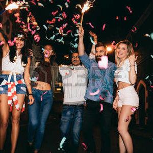 Faire la fête entre amis