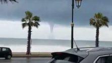 Vidéo : Une tornade fait rage à Rabat