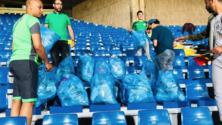 Coup de cœur : Les Rajaouis donnent l'exemple en nettoyant les gradins du Complexe Mohamed V