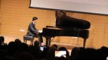 Du haut de ses 19 ans, ce petit génie de la musique classique est le futur Mozart marocain