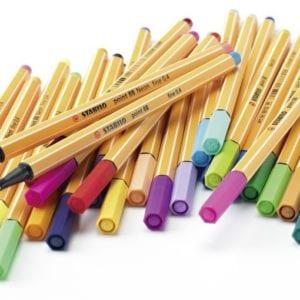 Les stylos avec des tonnes de couleurs
