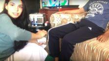 Une Youtubeuse marocaine montre comment prendre soin des pieds de son mari