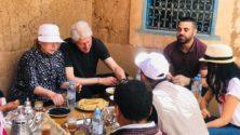Bill et Hillary Clinton prennent un ftour beldi à l'Ourika…