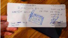 A l'aéroport de Marrakech, une carte d'embarquement a été remplie au stylo