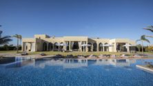 Gims met sa villa de Marrakech en location à 11.000 dirhams la nuit