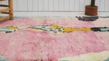 Un tapis fait le bonheur d'une orpheline à Azilal