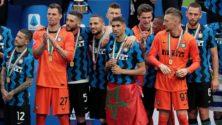 Vidéo : Achraf Hakimi annonce qu'il reste à l'Inter et arbore le drapeau marocain lors du sacre du club