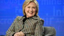 Photo : Hillary Clinton dévoile une photo d'elle vêtue d'un sublime caftan