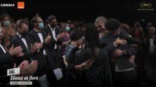 """Vidéos : Standing ovation après la projection du film """"Haut et fort"""" de Nabil Ayouch au Festival de Cannes"""